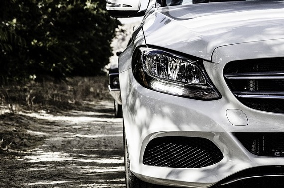 Autolaina tai autorahoitus tulevat molemmat kysymykseen autoa tai muuta kulkuneuvoa etsivälle sekä siinä samassa kannustamme kaikkia kilpailuttamaan autolainat ja -rahoitukset